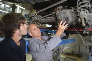 8 trucos para ahorrar en el mantenimiento de tu coche